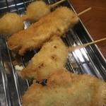 串揚げ 亀ちゃん - うずら、れんこん、ささみシソ、豚タマネギ