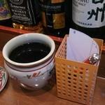 串揚げ 亀ちゃん - ソースの壺&注文の伝票