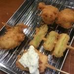 串揚げ 亀ちゃん - アスパラ、サーモン、牡蛎、茄子肉巻き