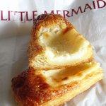 リトルマーメイド - ①クリームチーズペストリーの断面図。