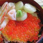 レイクサイドキッチン トントン - 北海三色丼