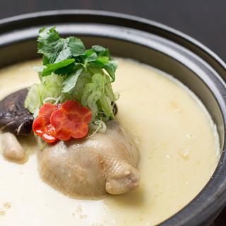 魚沼地鶏の濃厚白濁鍋