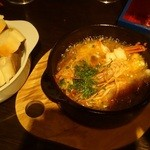 フレスコバルラディカル - エビと鮮魚のアヒージョ