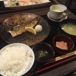 魚たつ - 焼き魚膳  おいしく頂きました (*´ڡ`●)