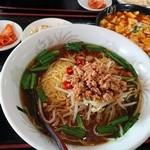 中華料理 九龍城 - 麻婆豆腐ランチ、台湾ラーメン大盛