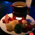 バー ウィステリア - チーズフォンデュ