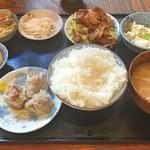 だいず - ハーフ&ハーフ定食(豚の生姜焼き&自家製シュウマイ)ごはん、みそ汁、小鉢2、おぼろ豆腐、おからサラダ、とろろ