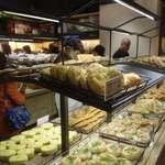 吳寶春麥方店 - 世界チャンピオンのお店とあって店内はたくさんの利用客でごった返しており