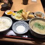 驛亭 - 豊後定食(930円税込)