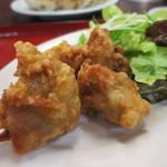 東京餃子軒 - 鶏の唐揚げアップ