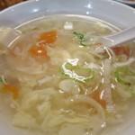 東京餃子軒 - 玉子、豆腐、トマト、青ねぎのスープアップ
