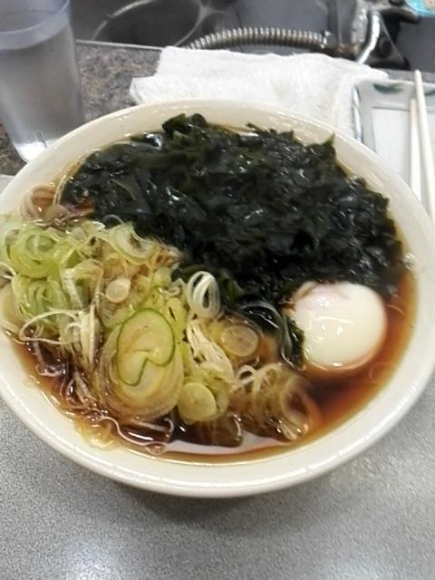 かめや 新宿店 - ワカメ玉子そば大盛