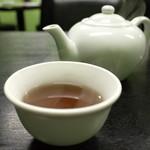 一創 - お茶はサービス