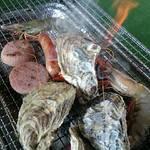 オイスターガーデン蔵矢 - 牡蠣とソーセージセット