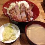 赤兵衛 - 西京味噌焼き豚丼のセット@850円
