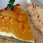 石窯Pizza クープ ドゥ シナモン - 甘夏のフレッシュタルト@500エン