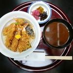 天一 - 天丼(1836円)