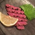 備長炭ステーキ炉 Sakai - 前菜その2はお肉の炙り?