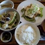 くるみごはん - 料理写真:チキン南蛮