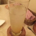 ロータス&フラワーズ ワン - ノンアル柚子ドリンク