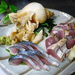 厨膳こまつや - 刺身盛り合わせ(カツオ、〆鯖、つぶ貝)