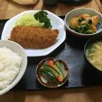 金屋食堂 - 料理写真:日替り定食=700円 本日はアジフライです。