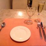 46514856 - テーブルセッティングはこんな感じです