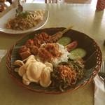 Dulang Kafe & Bakery - 料理写真:ナシゴレン/