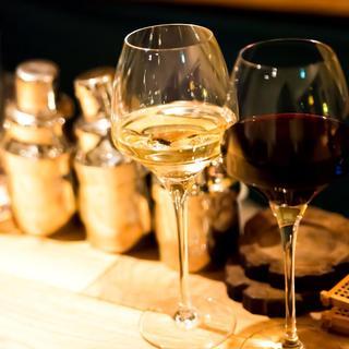 ワインセラー完備。お料理に最適のワインをご提供いたします
