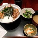 46518356 - 焼き鳥とそぼろ丼定食¥950