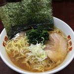 町田家 - ラーメン 濃いめ多め 720円