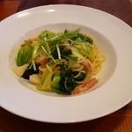 46518731 - ランチの野菜とベーコンのパスタ