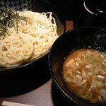 達翁 - つけ麺(中) 700円
