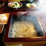 めん倶楽部 さくら - 料理写真:釜揚げ麺セット サラダ・地鶏おにぎり付き 800円+ホットコーヒー280円
