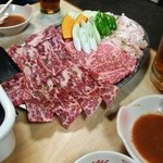 いかりや - 料理写真:牛カルビx2、牛ロース、ホルモン