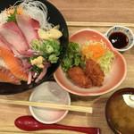 築地食堂 源ちゃん - 海鮮丼とカキフライ