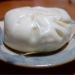 揚子江 - 豚まん2個入り(400円)