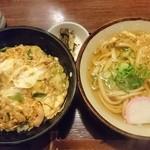 伊吹そば - 親子丼定食 950円