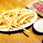 スプリングバレーブルワリー東京 - メガクランチフライドポテト