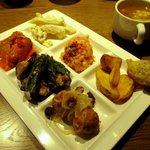 サルヴァトーレ・クオモ アンド バール - ブッフェ前菜&スープ!