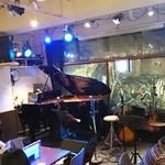 楽屋 - 中目黒 ライブレストラン 「楽屋」