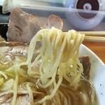 らーめん 義 - 麺は佐野系の麺ですが