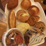 4654085 - 初回訪問で買ったパンたち