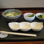 串かつ亭 かたかみ - 料理写真:サラダなど
