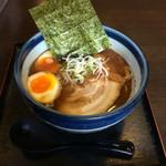 麺楽屋 - こく正油味玉らぁめん、780円