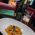 カフェアンドバー ナナマール - 料理写真:ぬるいビールとアラビアータ。プチ地獄。