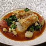 キュイジーヌ コリエドール - アマダイのフリット、甲殻類風味のソース