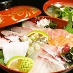 武将 - 海鮮丼