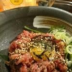 ニューみよし - 牛肉たたきユッケ風 780円