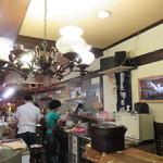 燗の美穂 - ラフでキッチュな雰囲気の店2